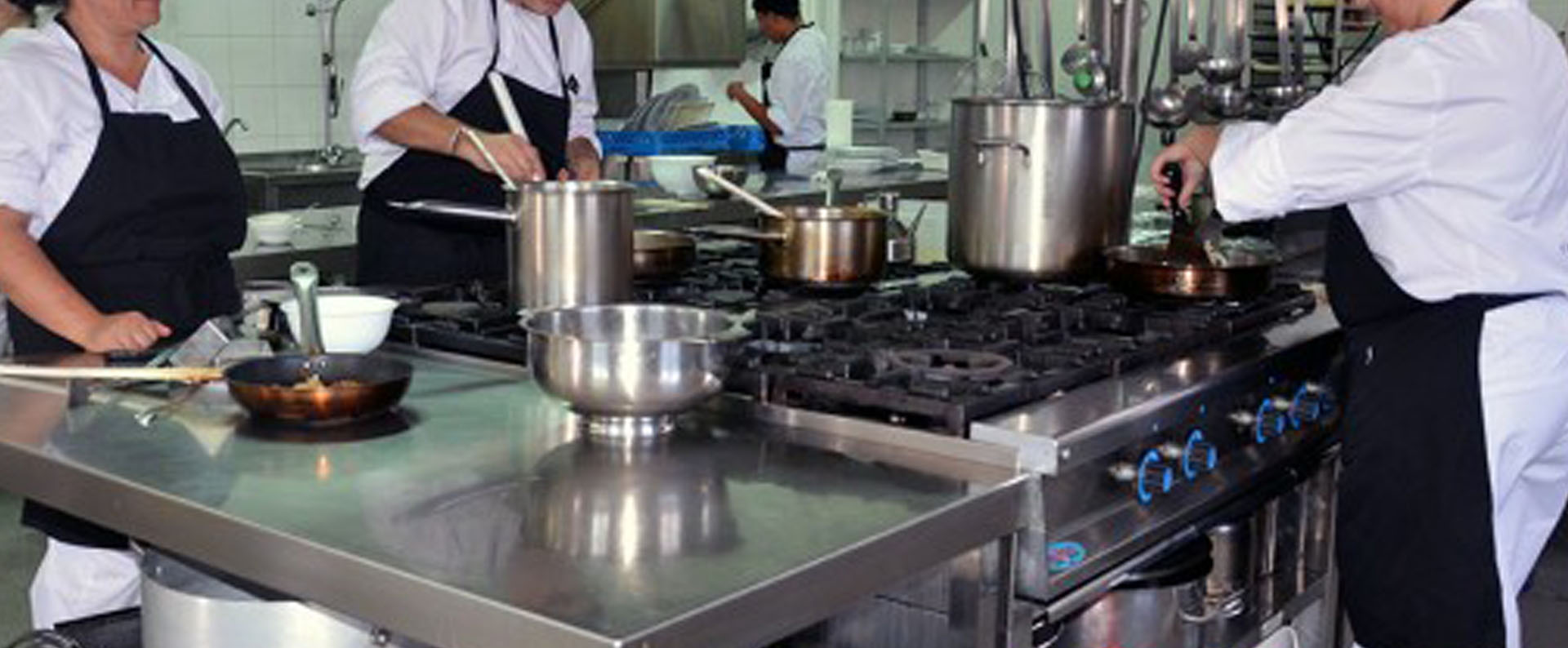 Cursos privados de cocina escuela de cocina amanca for Manual operaciones basicas de cocina